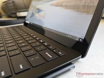 La misma resolución, brillo y gama que la Surface Laptop 2