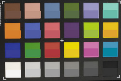 ColorChecker: El color de referencia está en la mitad inferior del campo.